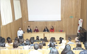 Presentación por estudiantes de la USAL